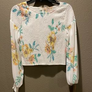 Floral shirt with poofy sleeves